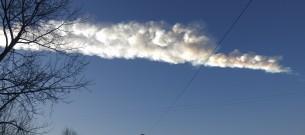 След метеорита в небе над Челябинском