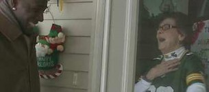 surprised_fan_in_doorway-Fox-video