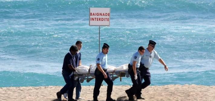 dead french man shark