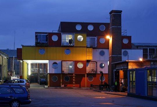49 дома из контейнеров лондон англия