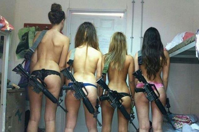 Israeli-female-soldiers-pictured-in-underwear-1