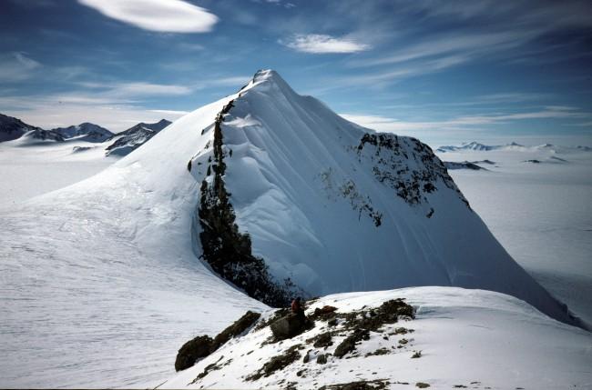 Mount_Jackson,_Antarctica