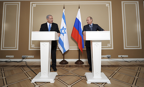 Israeli Prime Minister Benjamin Netanyahu and Russian President Vladimir Putin attend a news conference at the Bocharov Ruchei state residence in the Black Sea resort of Sochi